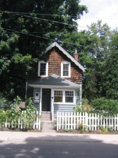 2 bedroom House with Deck in Burlington - Burlington vacation rentals