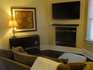 Cozy 2 bedroom Burlington House with Deck - Burlington vacation rentals