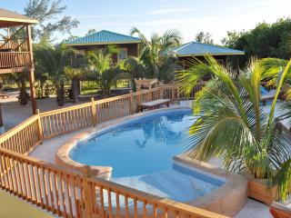 Bonita's Sapphire and Hibiscus - Caye Caulker vacation rentals