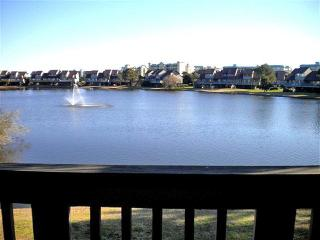 Lovely 2 bedroom Pawleys Island House with Balcony - Pawleys Island vacation rentals