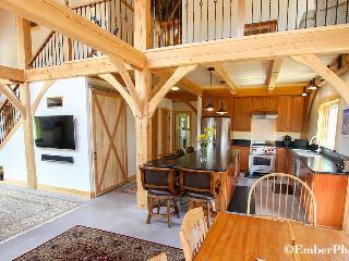 Beautiful Home - 3 Br 2 Ba, Mtn Views of Sugarbush - Warren vacation rentals