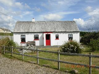 Mullaghduff Thatched Cottage, Wild Atlantic Way - Kincasslagh vacation rentals