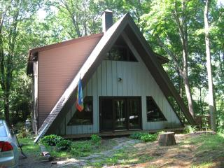 Nature Lovers Getaway - Highland vacation rentals