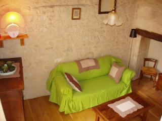 Nice Gite with Television and Microwave - La Bachellerie vacation rentals