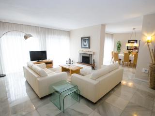Spacious villa next to Puerto Banus Villa 2 - Marbella vacation rentals