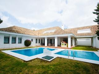 Four-Bedroom Villa - Villa Marina 5 - Puerto José Banús vacation rentals