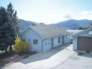 Pullin's Al Lago Sleeps 12! by Sage Vacation Rentals - Manson vacation rentals
