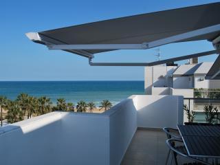 Magnifique Penthouse  neuf en 1° ligne de plage - Peniscola vacation rentals