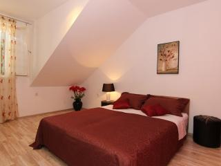 In the very center and still peaceful - Split vacation rentals