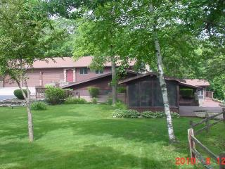 Wisconsin River Bluffs Private Lodge - Boscobel vacation rentals