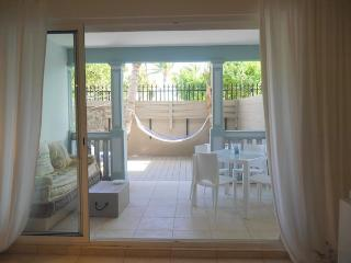Coté Mer, charming condo for lovers, by the sea - Orient Bay vacation rentals