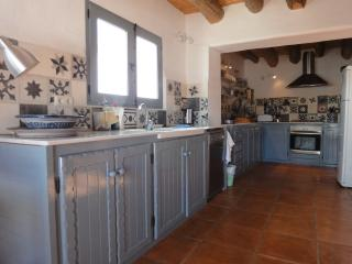 Bright House in Province of Granada with Dishwasher, sleeps 9 - Province of Granada vacation rentals