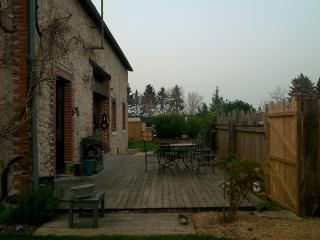 Nice Townhouse with Internet Access and Outdoor Dining Area - Ballan Mire vacation rentals
