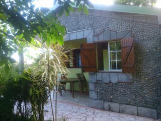 Les Nids de Belle Eau - Bungalow de charme - Capesterre-Belle-Eau vacation rentals