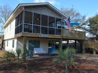 Beautiful 2 bedroom Oak Island House with Deck - Oak Island vacation rentals