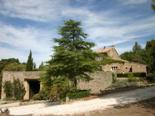 Domaine de la Gaille - 4 Cottages de charme - Saumane-de-Vaucluse vacation rentals