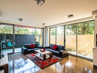 2 bedroom Condo with Deck in Glen Waverley - Glen Waverley vacation rentals