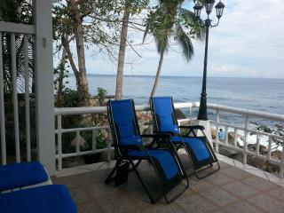 Nice Beach hut with A/C and Short Breaks Allowed - Pizota vacation rentals