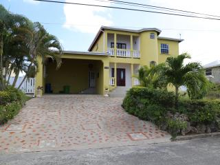 4 bedroom House with Internet Access in Speightstown - Speightstown vacation rentals