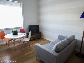 Homy Apartment, Piazza Napoli - Milan vacation rentals