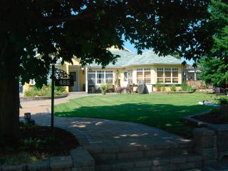 Penticton Home Away from Home - Okanagan Valley vacation rentals