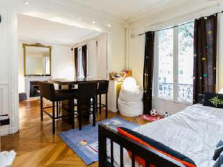 80m²-Paris chic 16è-Mtro Jasmin-10 mn Eiffel tower - Paris vacation rentals