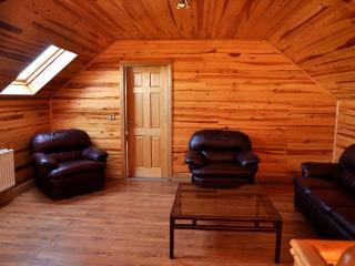 Lovely Cottage with Outdoor Dining Area and Boat Available - Redhills vacation rentals