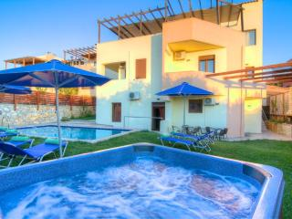 Paradise Villa - Ideal for Groups, Pool & Hot Tub - Prines vacation rentals