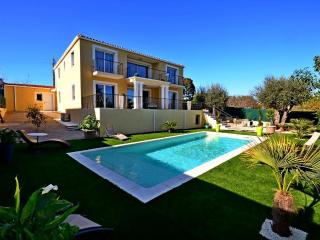 Oceane - Modern, brand new villa with pool - Villeneuve-Loubet vacation rentals
