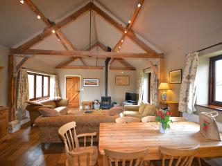 Spacious Barn with Internet Access and Dishwasher - Little Snoring vacation rentals