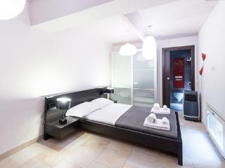 Sleepk 2 Bedroom apartment at Suite de Charme in Florence - Florence vacation rentals