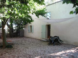 Cottage in Bedarrides, Avignon area - Bedarrides vacation rentals