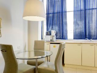 Candy 1br apartment hayarkon St. - Tel Aviv vacation rentals
