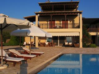 Perfect 4 bedroom Aegina Villa with Internet Access - Aegina vacation rentals