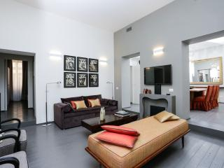 Spanish Steps Deluxe 3 bedrooms  Apartment - Rome vacation rentals