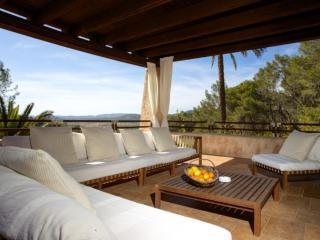 5 bedroom Villa in Santa Eulària Des Riu, Ibiza : ref 2268565 - Velverde vacation rentals