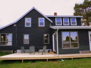 Perfect 4 bedroom Guest house in Canning with Deck - Canning vacation rentals