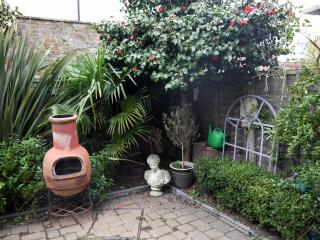 Beautiful cottage in Twickenham London - Twickenham vacation rentals