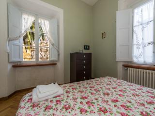 Appartamento Bernini -Residence il Duomo- - Lucca vacation rentals