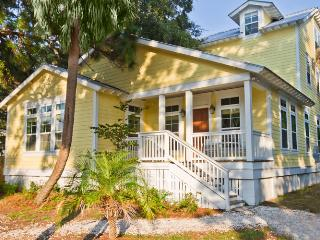 Happy House- Spectacular 3-story Luxury Cottage, Sleeps 27, Make Memories to Last a Lifetime! - Georgia Coast vacation rentals