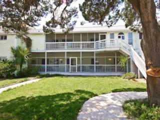 Somewhere in Time c1928- Great Front Porch and Back Deck! 200 Steps to the Beach! Upstairs Unit also Available! - Georgia Coast vacation rentals
