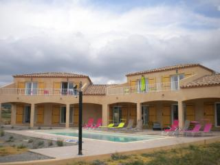 7 bedroom Guest house with Internet Access in Tournissan - Tournissan vacation rentals