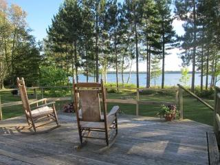 Tranquility Shores: Seasonal Northwoods Lakehome on Eagles Nest Lake #1 - Ely vacation rentals