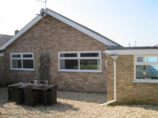 Comfortable Bungalow with Internet Access and Dishwasher - Talybont vacation rentals