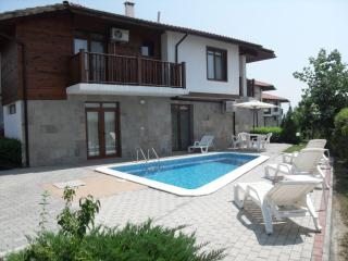HillTop Villa - Luxury 4 Bed Sleeps 10 with WIFI - Sunny Beach vacation rentals