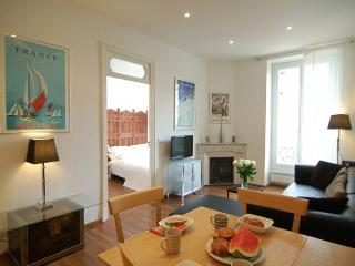 New Beginnings, center of Nice! - Nice vacation rentals