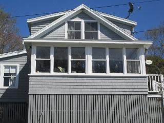 THE HAVEN | EAST BOOTHBAY | OCEAN VIEWS | OCEAN BREEZES | PET-FRIENDLY | CLASSIC MAINE COTTAGE | ENCLOSED SUNROOM & OPEN PORCH WITH SPECTACULAR VIEWS | MINUTES FROM BOOTHBAY HARBOR - Boothbay vacation rentals