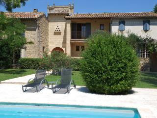 Splendidly Restored Mas in Uzès with Private Pool, Tennis Court, Sleeps 15 - Uzes vacation rentals