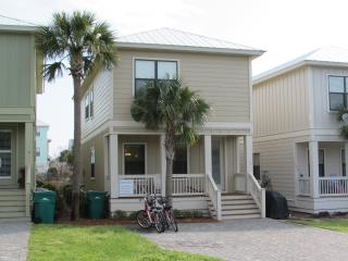 BreakAway (Beach Nest) - New, close to beach, pool - Santa Rosa Beach vacation rentals