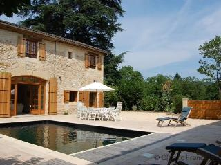 Chic Chateau Coach-house FRMD121 - - Dordogne Region vacation rentals